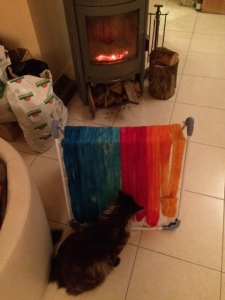 my hand dyed yarn drying in front of the fire www.knittinginfrance.com