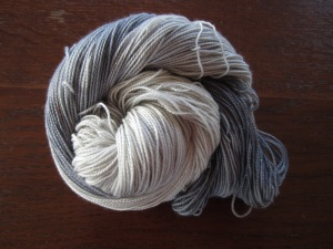 hand dyed sparkle yarn by Knitting in France