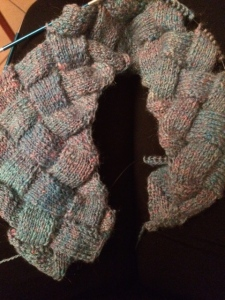entrelac knitting using hand spun yarn