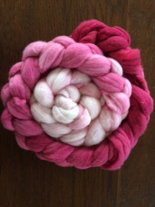 hand dyed roving by www.knittinginfrance.com