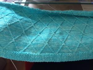 baby blanket in progress www.knittinginfrance.com