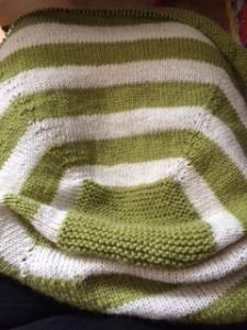 Fuss Free baby blanket www.knittinginfrance.com