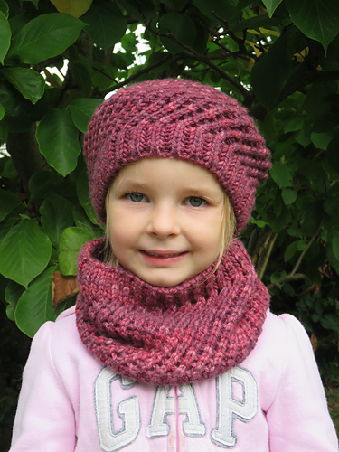 fragolina-beret-and-cowl
