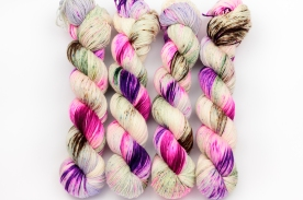 knitcosmicstrings-pistachio