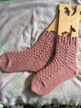 Strawberries & cream frappe socks by JavaPurl Designs knit in Strawberry Frappuccino yarn by Knitting in France